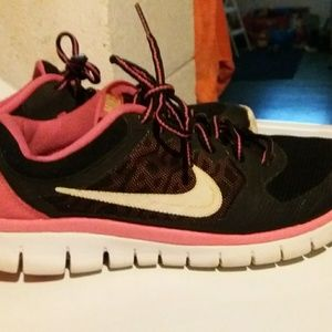 Must bundle...Youth Nike shoes
